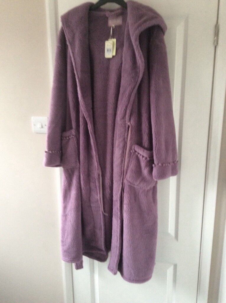 Soft Lilac Dressing Gown With Hood Size 16-18 | in Leigh-on-Sea ...