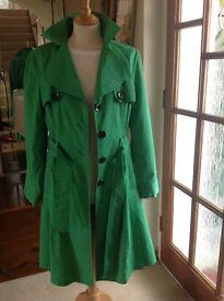 New PER UNA Size 10 Lined Emerald Green Raincoat