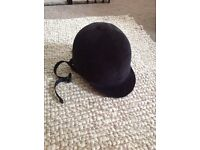 Black horse riding hat in excellent condition