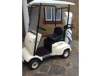 Single seat electric golf buggy by Fraiser, all in good working order. 4x 12volt batteries.