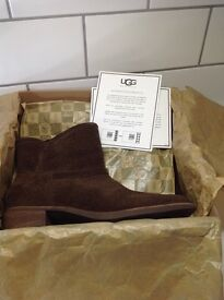 UGG CHOCOLATE BROWN ANKLE BOOT