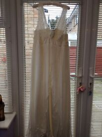 Irvory wedding dress