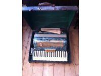 MARINUCCI ANTIQUE PIANO ACCORDION 120 BUTTONS