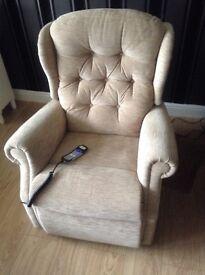 Riser/reclining chair