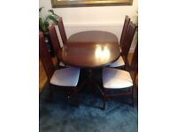 Mahogany extendable dining table with x6 chairs