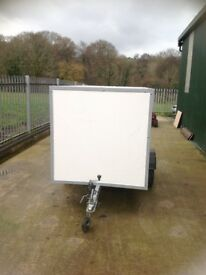 8 by 4 box trailer in very good condition first to see will bye