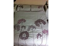 double bed duvet set with 4 pillow cases plus curtains in burgundy and white &1cushion cover