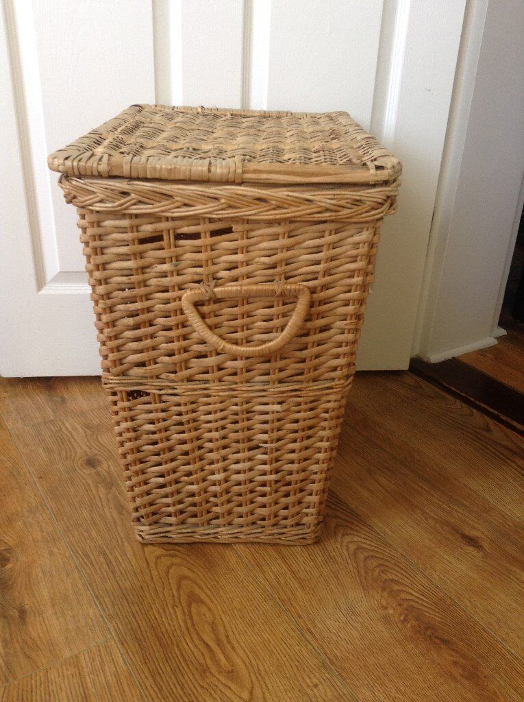 Wicker Laundry basket with side handles - large with lid - in clean condition from smoke free home