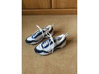 Ladies or Gents Reebock trainers. Blue/whit. U.K. Size 7.