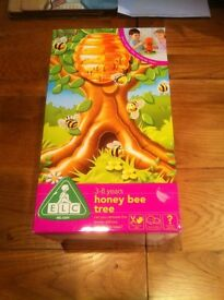 Early Learning Centre – Honey Bee Tree Game.