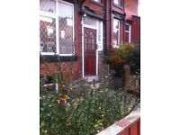 2 bed back to back in cross flatts beeston