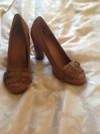 Scholl Court Heels Brown Leather