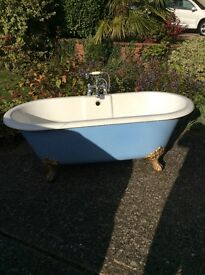 Roll Top French Acrylic Free Standing bath with fittings