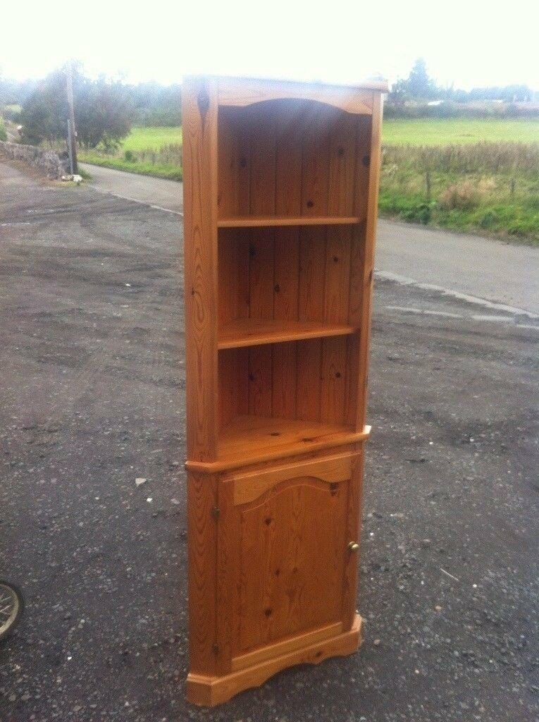 Solid pine one piece corner unit in good sturdy condition