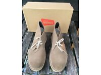 Clarks Original Desert Boots size 9 Excellent condition.