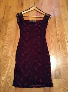 Black and red floral scoop neck mini dress