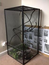Reptile mesh cage