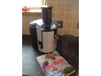 Philips juicer and juicing book.