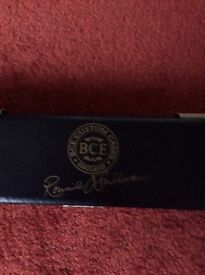 Snooker cue and hard case