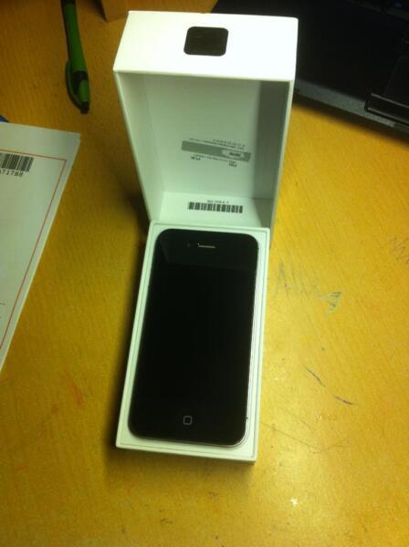 iphone 4s top zustand apple id nicht mehr vorhanden in. Black Bedroom Furniture Sets. Home Design Ideas