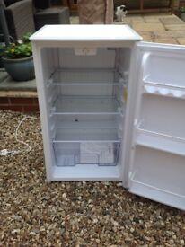 Under counter Larder fridge. White. IGENIX IG3960