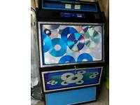 Full size jukebox holds 70 cds