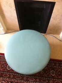 Round stool faux leather, excellent condition