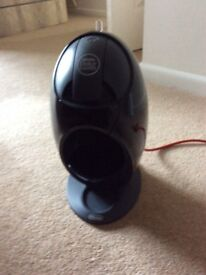 Nescafé Dolce Gusto coffee machine. Excellent condition Used only a few times.