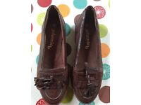 Johnnieb ladies brown leather shoes size 36