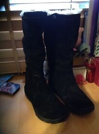 Cat boots size 4 new