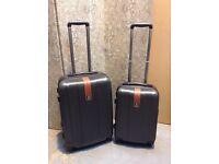 Set of 2 wheeled Suitcases