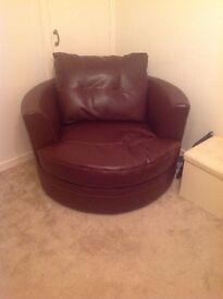 1yr old Sofa an swivel chair