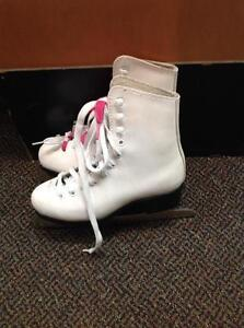 CCM Pirouette Girls Figure Skates (sku: Z13521)