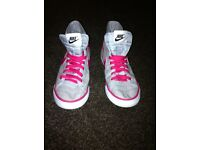 nike high top trainers size 4 1/2