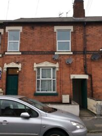Furnished bedsit/studio flat with kitchen and ensuite bathroom, close to Walsall town centre