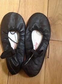 Size 5 black ballet shoes
