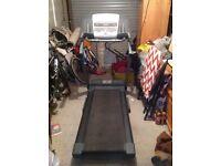 Horizon Treadmill - Model 821T