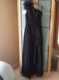 Size 12/M. Beautiful elegant formal/ evening/ prom dress.