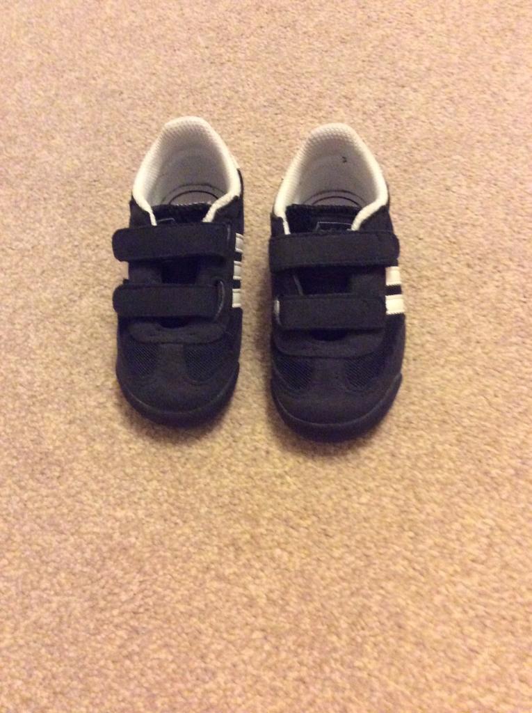 Adidas originals dragon boys trainers size UK 6 infant