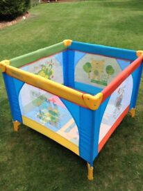Kiddicare Safari Playpen with 2 Bags of Plastic Balls