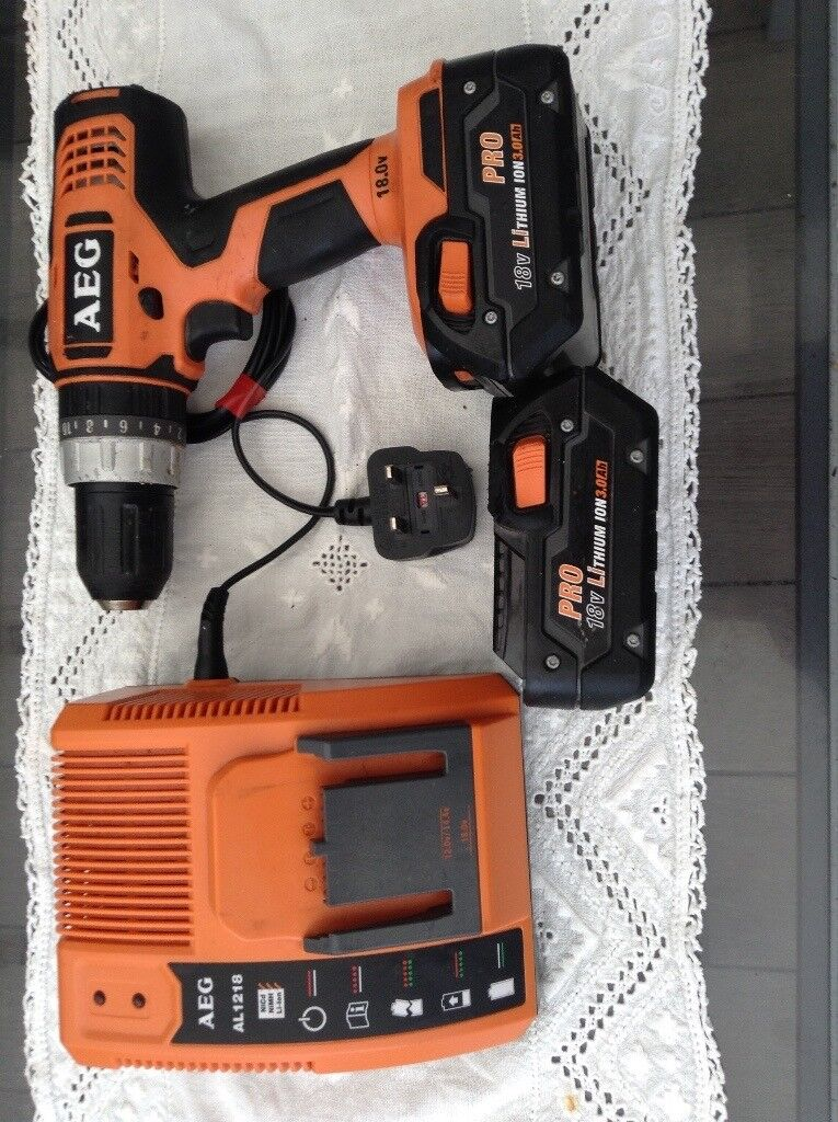 AEG hammer drill 2 battery's charger great drill
