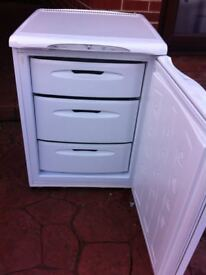 HOTPOINT 'FUTURE' UNDERCOUNTER FREEZER IN GOOD WORKING CONDITION