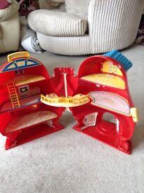 Children's doll house