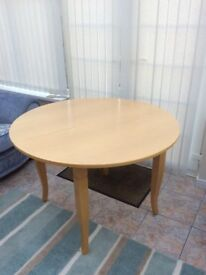 Dining table (extendable) and 4 chairs