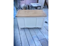 Vintage storage box / toy box