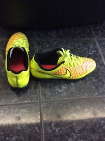 Nike Magista Football Trainers