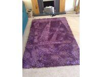Shaggy rug in mauve