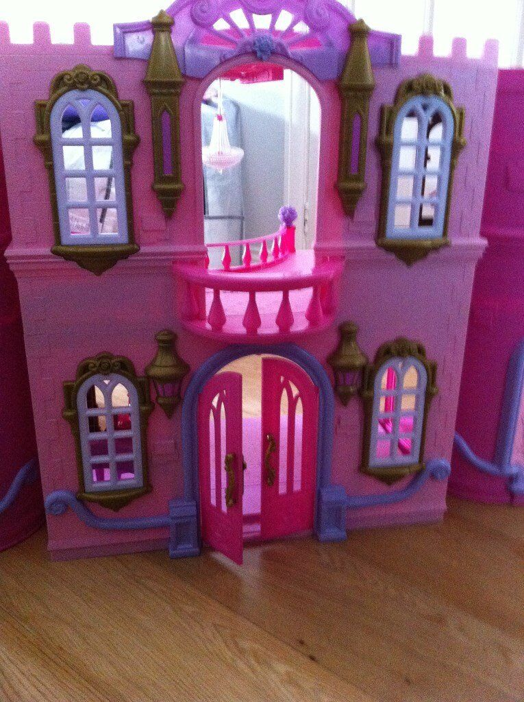 Disney Deluxe Princess Castle