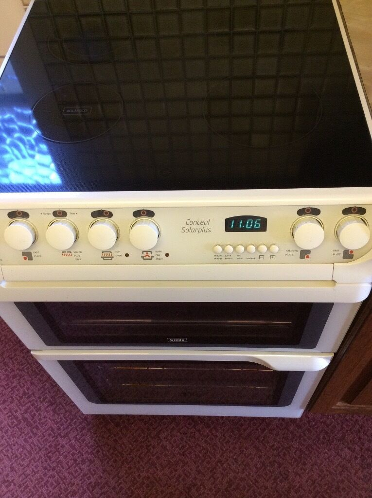 Creda Concept Solarplus Electric Cookerin Ramsgate, KentGumtree - Creda Concept Solarplus Electric Cooker in white. Main fan oven top oven & solar plus grill with grill pan. 4 ring ceramic hob with 2 fast plates, 1 halogen plate & 1 twin fast plate. In very good condition & fully clean and working. (W)60cm x...
