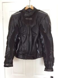 Motorcycling Clothing, LeatherJkt/Jeans, Kevlar/Cordura Jkt/Jeans. All as new Condition